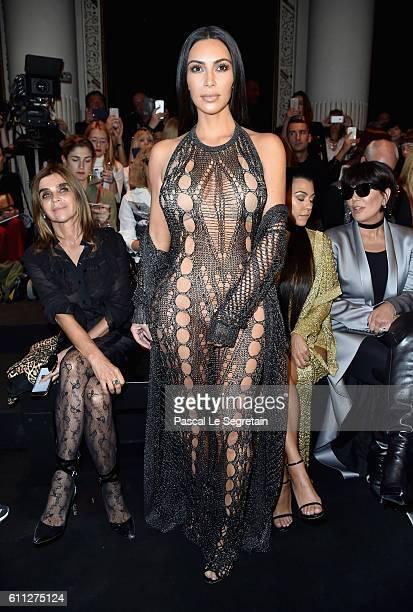 Kim Kardashian attends the Balmain show as part of the Paris Fashion Week Womenswear Spring/Summer 2017 on September 29, 2016 in Paris, France.