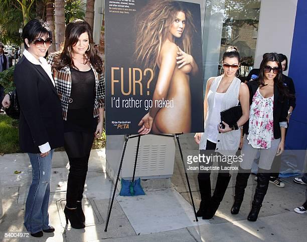 khloe kardashian rather go naked photos
