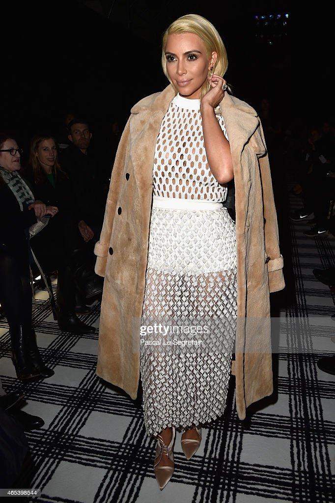 Balenciaga : Front Row - Paris Fashion Week Womenswear Fall/Winter 2015/2016 : News Photo