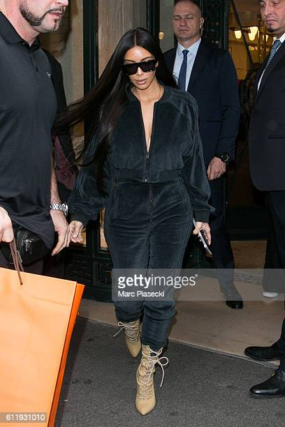 Kim Kardashian West leaves the 'HERMES' store on Rue du Faubourg SaiINT Honore on October 1 2016 in Paris France
