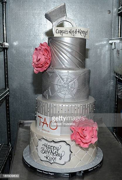 Kim Kardashians 33rd Birthday Cake At Tao Las Vegas On October 25 2013 In