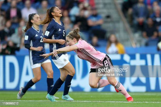 Kim Little of Scotland celebrates after scoring her team's first goal during the 2019 FIFA Women's World Cup France group D match between Scotland...