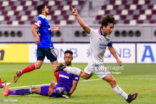 Kim Minwoo of Suwon Samsung celebrates his goal during the AFC Champions League Round of 16 match between Yokohama F.Marinos and Suwon Samsung...