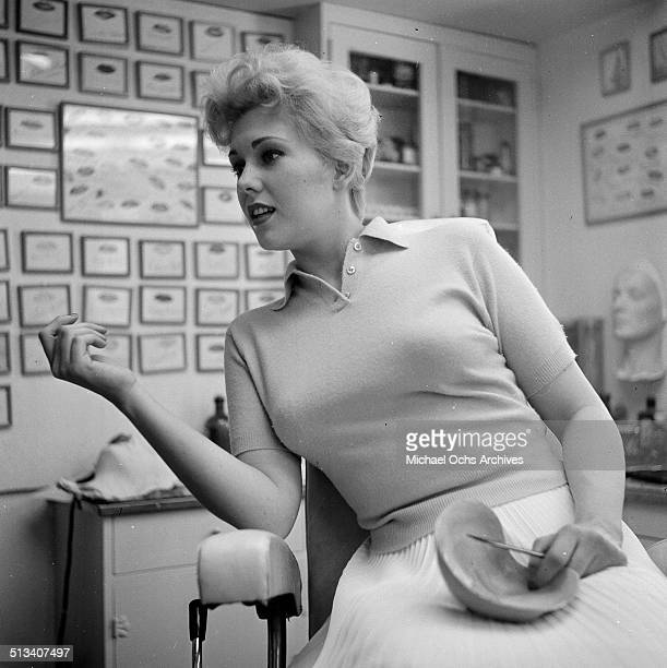 Kim Novak discussing her mask in Los AngelesCA