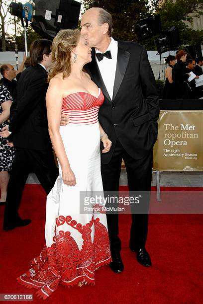 Kim Smedvig and James Taylor attend The METROPOLITAN OPERA's 125th ANNIVERSARY Season Opening at Lincoln Center Plaza on September 22 2008 in New...