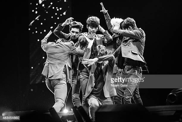 Kim Wonsik Jung Taekwoon Lee Hongbin Cha Hakyeon Han Sanghyuk and Lee Jaehwan of 'VIXX' perform at the 2015 KPop Festival at Prudential Center on...