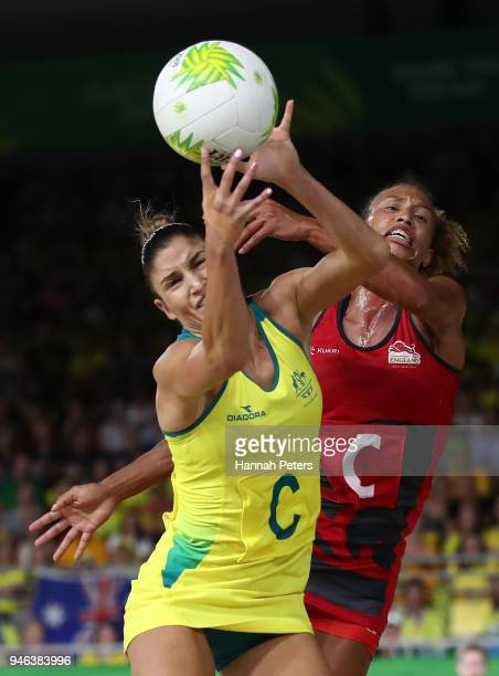Kimberley Ravaillion of Australia and Serena Guthrie of England compete for the ball during the Netball Gold Medal Match on day 11 of the Gold Coast...