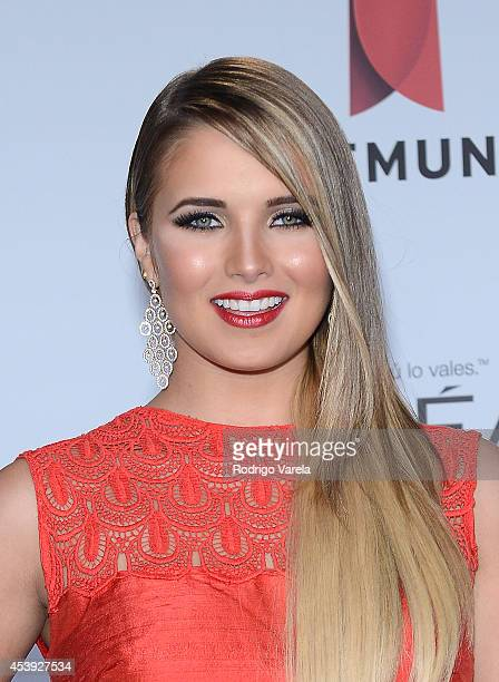 Kimberly dos Ramos arrives at Premios Tu Mundo Awards at American Airlines Arena on August 21 2014 in Miami Florida