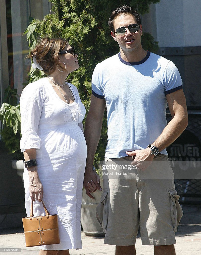 Kimberly Guilfoyle and Husband Eric Villency Sighting in Soho After Lunching at Bar Pitti Restaurant - July 16, 2006 : Foto jornalística