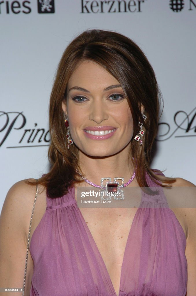 2004 Princess Grace Awards Gala - Arrivals : News Photo