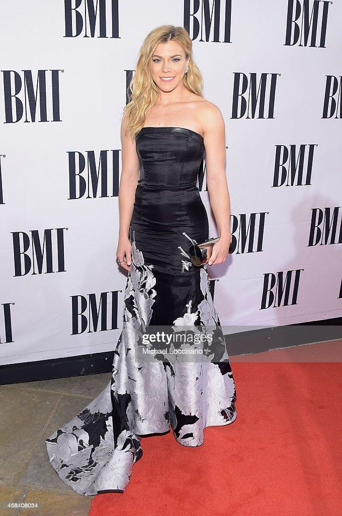 62nd Annual BMI Country Awards - Arrivals : Fotografía de noticias