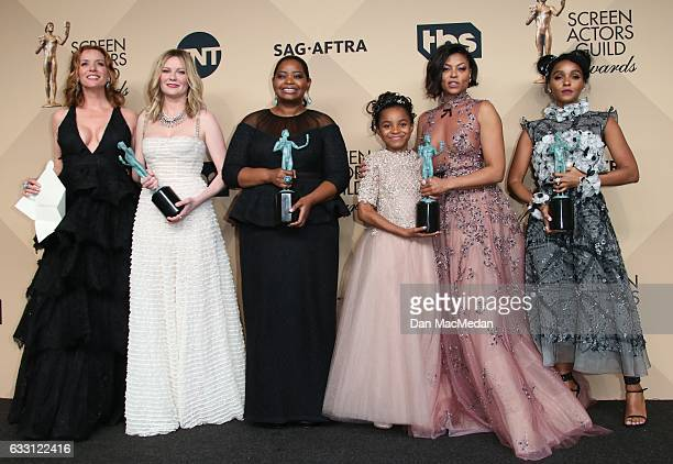 Kimberly Quinn Kirsten Dunst Octavia Spencer Saniyya Sidney Taraji P Henson Janelle Monae pose in the press room with their award for Outstanding...