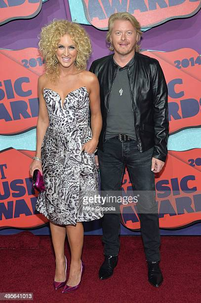 Kimberly Schlapman and Philip Sweet of 'Little Big Town' attend the 2014 CMT Music awards at the Bridgestone Arena on June 4 2014 in Nashville...