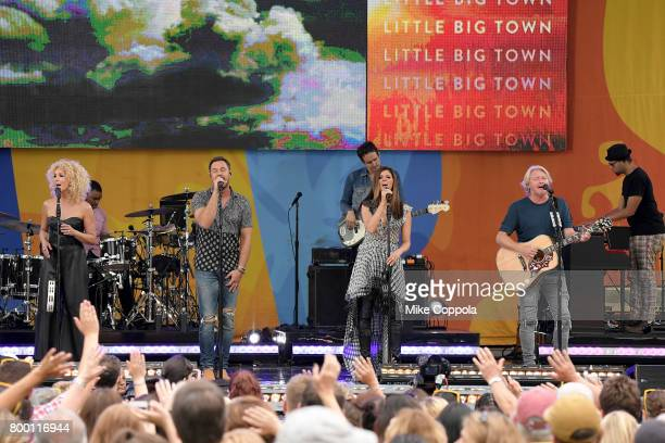 Kimberly Schlapman Jimi Westbrook Karen Fairchild and Philip Sweet of Little Big Town perform onstage on ABC's Good Morning America at Rumsey...