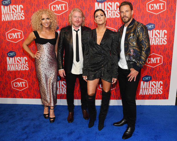 TN: 2019 CMT Music Awards - Red Carpet