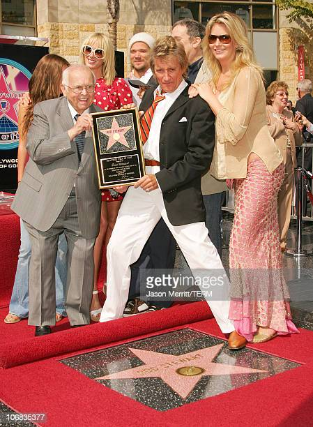Kimberly Stewart Sean Stewart Ruby Stewart Rod Stewart Liam McAlister and Penny Lancaster with Johnny Grant