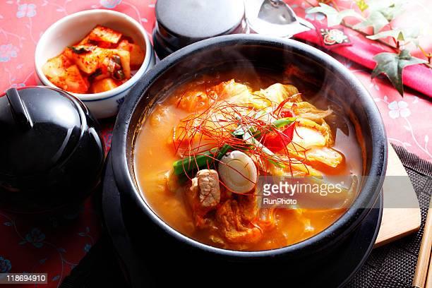 kimch pot,kimchi jjigae,korea food - キムチ ストックフォトと画像