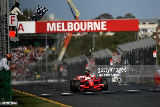 Kimi Raikkonen, Ferrari F2007, Grand Prix of Australia, Albert Park, Melbourne Grand Prix Circuit, 18 March 2007. Kimi Raikkonen croses the start...