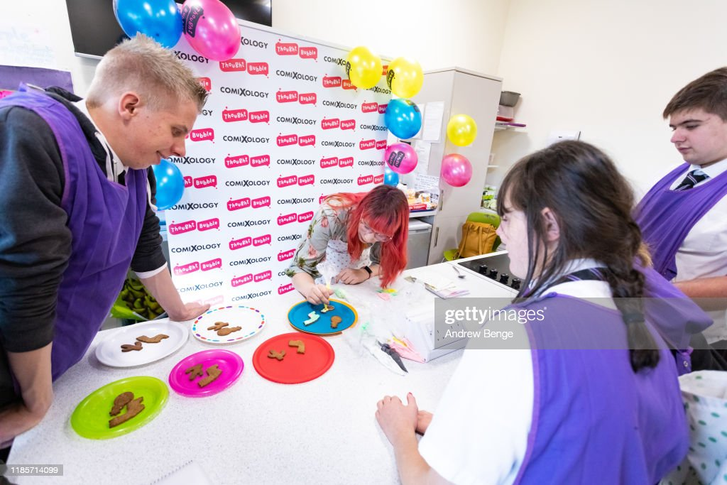Superhero Biscuit Decorating with Kim-Joy : News Photo