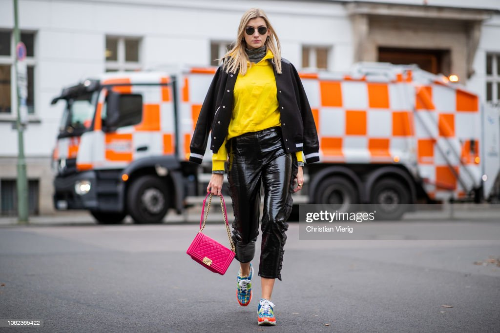 Street Style - Berlin - November 15, 2018 : News Photo