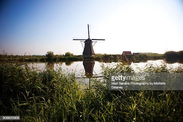 kinderdijk windmill - キンデルダイク ストックフォトと画像