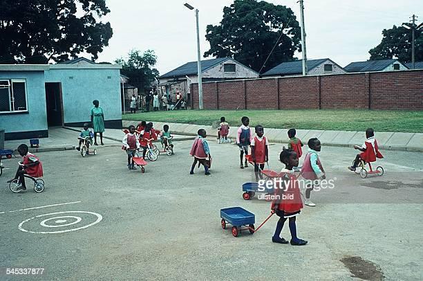 Kindergarten in einem Township- Mitte der 80er Jahre