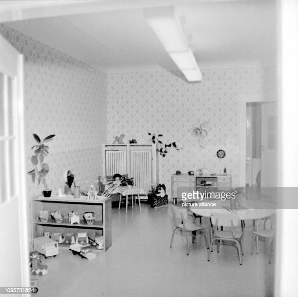 Kindergarten Tieckstr KollPetzold Mensen ugastrEinr Uebergabe drenovierten Räume