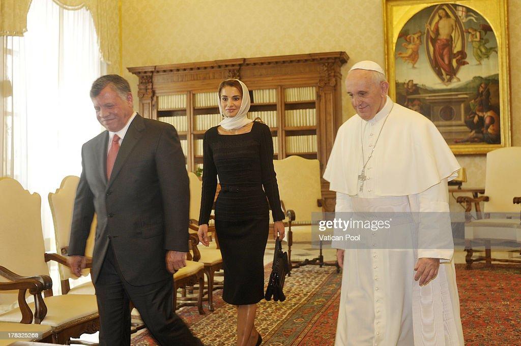 Pope Francis Meets King Abdullah II of Jordan : News Photo