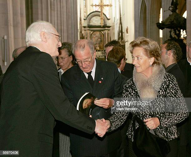 King Albert and Queen Paola of Belgium vist the Cathedral on October 20 2005 in Antwerp BelgiumThe President of the Portuguese Republic Jorge Sampaio...