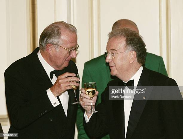 King Albert II of Belgium and Portuguese President Jorge Sampaio toast during a reception at the Cercle Gaulois in Brussels on October 19 2005 in the...
