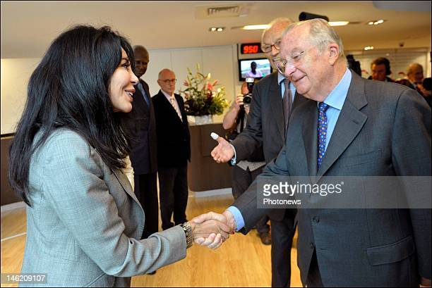 15160912382413 King Albert II of Belgium talks with French Minister Yamina Benguigui as he  visits the new