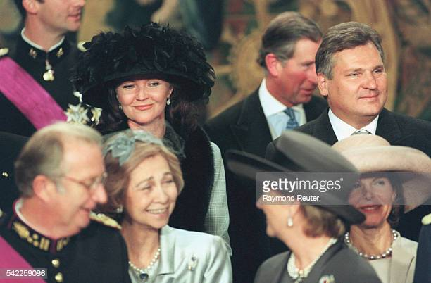 King Albert II Queen Sophie Paola Queen Silvia with the Kwasniewskis in the background