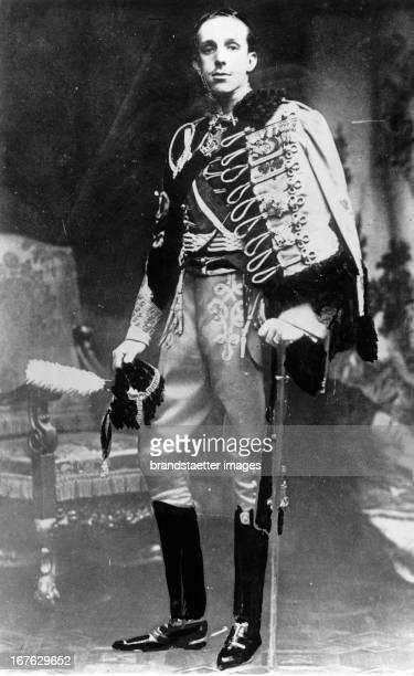 King Alfons XIII of Spain in the age of 16. Photograph. 1902. Der spanische König Alfons XIII. Im Alter von 16 Jahren. Photographie. 1902.