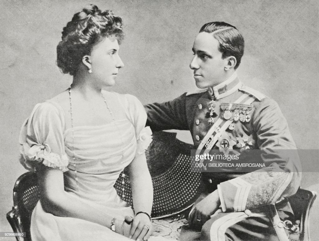 King Alfonso XIII and Queen Victoria Eugenia : News Photo