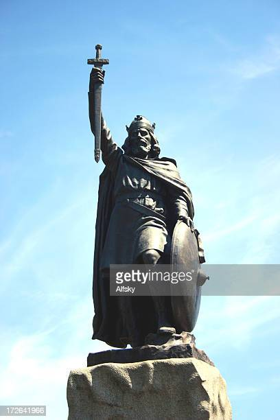 king alfred statue - winchester hampshire stock photos and pictures