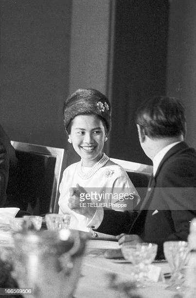 King Bhumibol And Queen Sirikit Of Thailand Official Travel In France Versailles le 22 octobre 1960 la visite officielle du roi Bhumibol de Thaïlande...