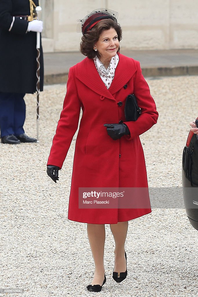 King Carl Gustav Of Sweden and Queen Silvia Of Sweden On Official Visit In France : Day 1 : News Photo