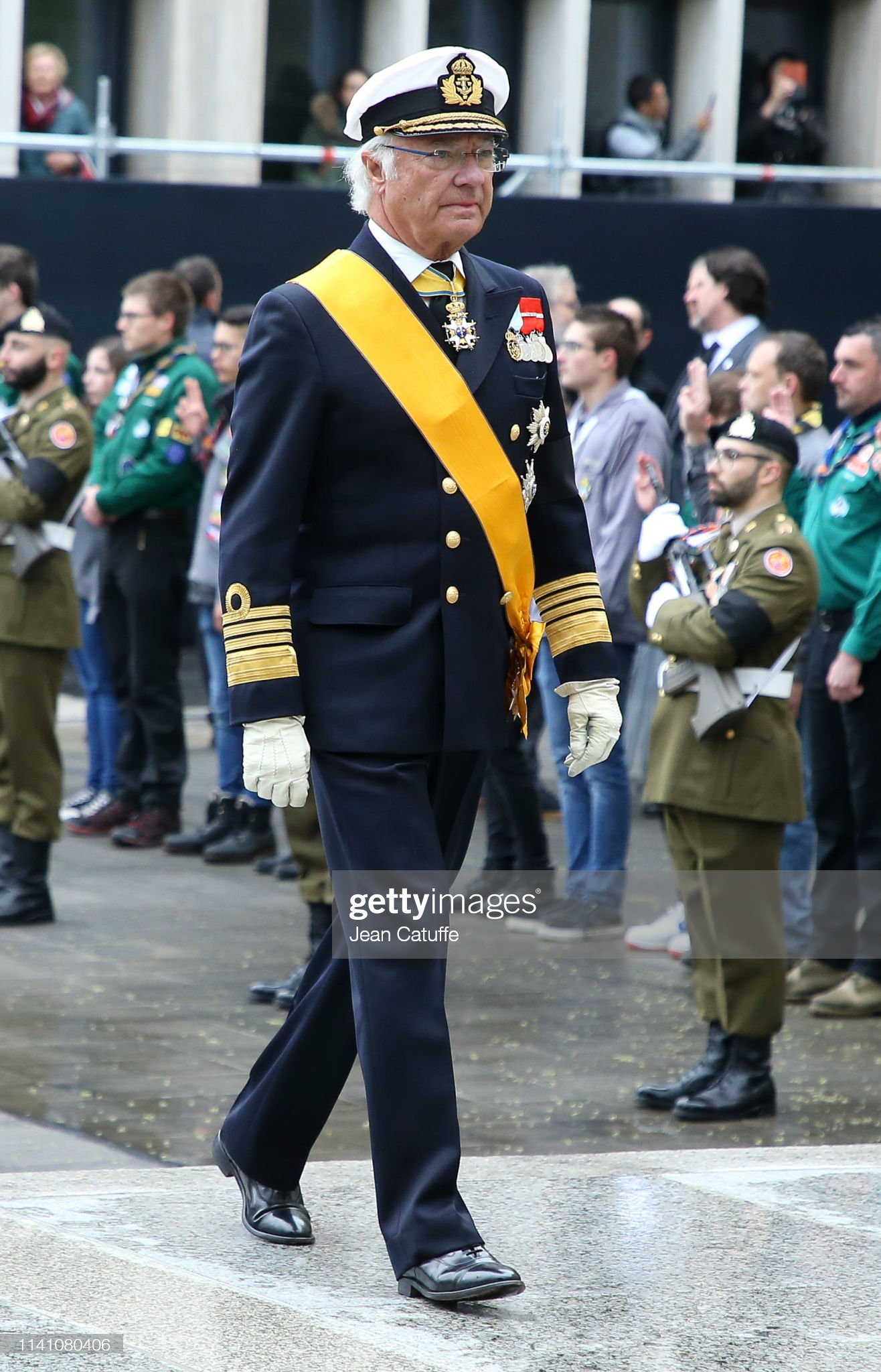 Похороны Великого Герцога Жана https://media.gettyimages.com/photos/king-carl-xvi-gustaf-of-sweden-arrives-for-the-funeral-of-grand-duke-picture-id1141080406?s=2048x2048