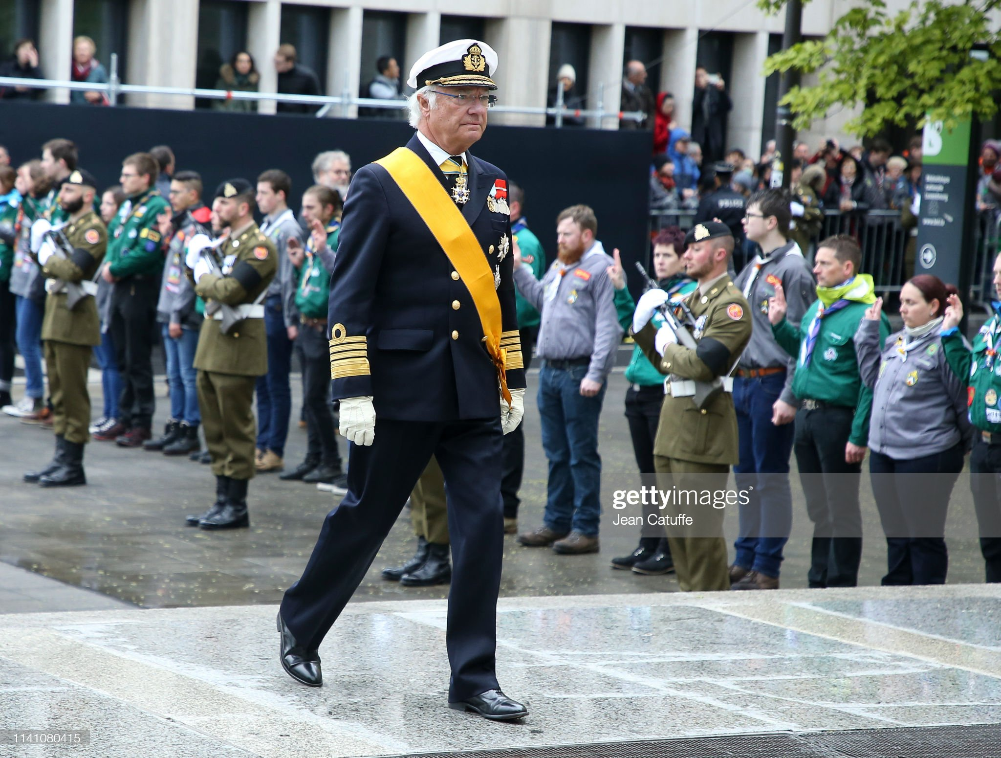 Похороны Великого Герцога Жана https://media.gettyimages.com/photos/king-carl-xvi-gustaf-of-sweden-arrives-for-the-funeral-of-grand-duke-picture-id1141080415?s=2048x2048