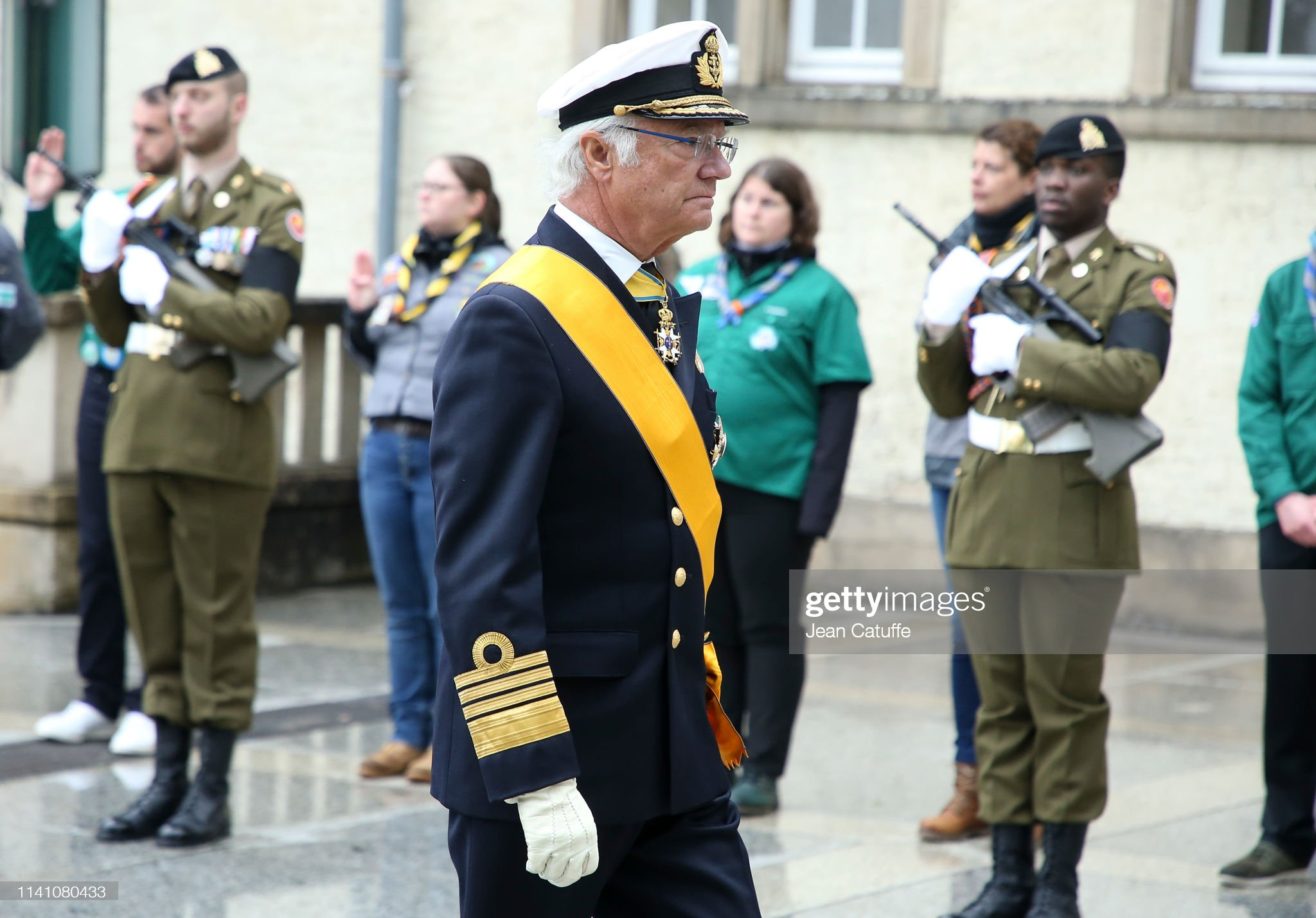 Похороны Великого Герцога Жана https://media.gettyimages.com/photos/king-carl-xvi-gustaf-of-sweden-arrives-for-the-funeral-of-grand-duke-picture-id1141080433?s=2048x2048