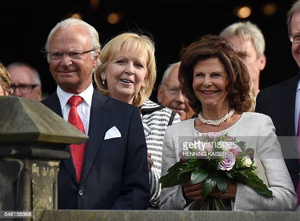 King Carl XVI Gustaf of Sweden North RhineWestphalian state Premier North RhineWestphalian Prime Minister Queen Silvia of Sweden are pictured during...