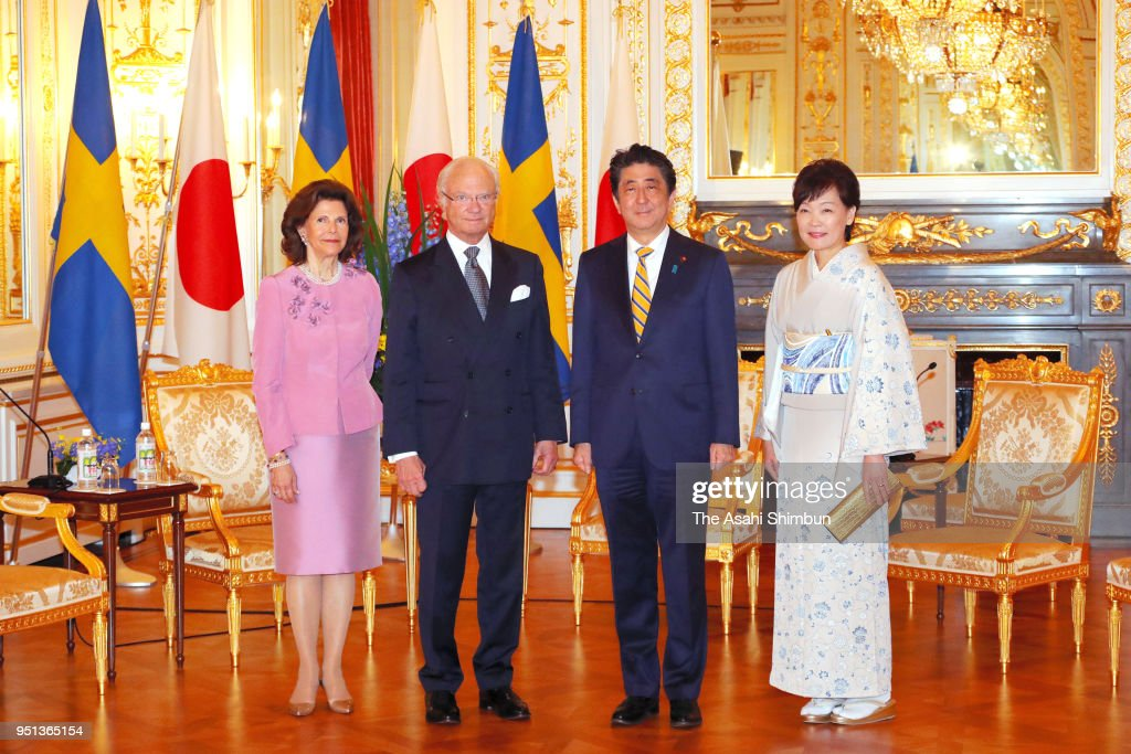 King Carl XVI Gustaf of Sweden, Queen Silvia of Sweden, Japanese Prime Minister Shinzo Abe and his wife Akie pose for photographs during their meeting at the Akasaka State Guest House on April 25, 2018 in Tokyo, Japan.