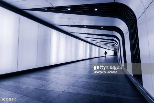 king cross light tunnel - tunnel stock pictures, royalty-free photos & images