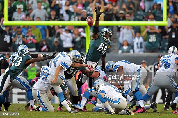 King Dunlap of the Philadelphia Eagles tries unsuccessfully to block the game winning field goal by Jason Hanson of the Detroit Lions at Lincoln...