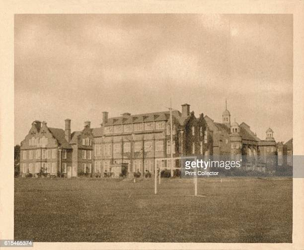 King Edward VII School King's Lynn' 1923 King Edward VII School Norfolk The school was founded in 1510 under Henry VIII The current academy was...