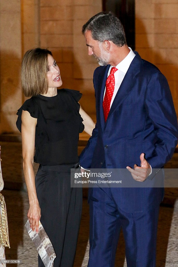 King Felipe and Queen Letizia attend a official reception at the Almudaina Palace on August 5, 2015 in Palma de Mallorca, Spain.