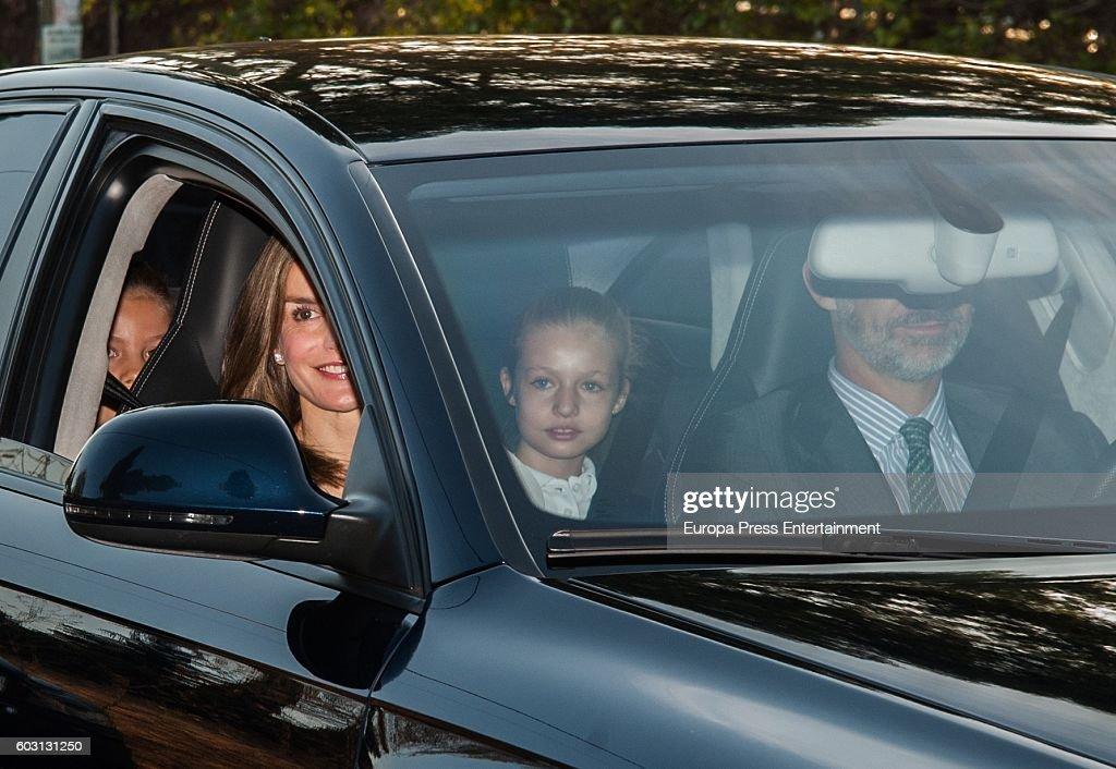 Princesses Leonor and Sofia Start School Course : News Photo
