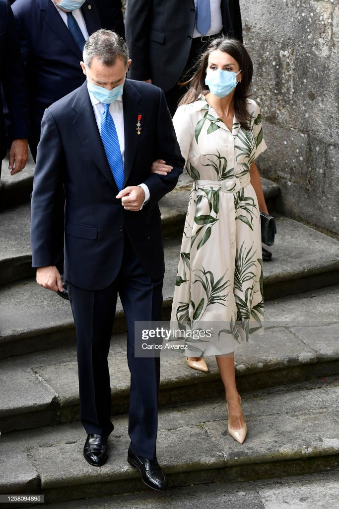 Spanish Royals on Tour - Santiago De Compostela : News Photo