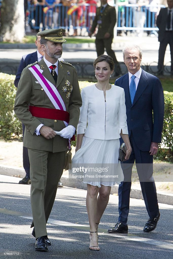 Spanish Royals Attend the 2015 Armed Forces Day : News Photo