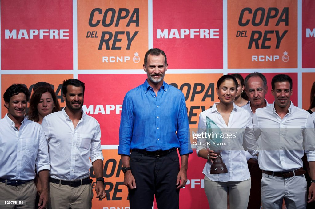 King Felipe of Spain (C) attends the 36th Copa del Rey Mapfre Sailing Cup awards ceremony at the Ses Voltes cultural center on August 5, 2017 in Palma de Mallorca, Spain.